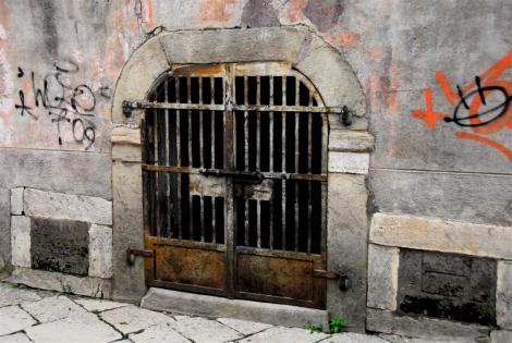 Gated portal and graffiti