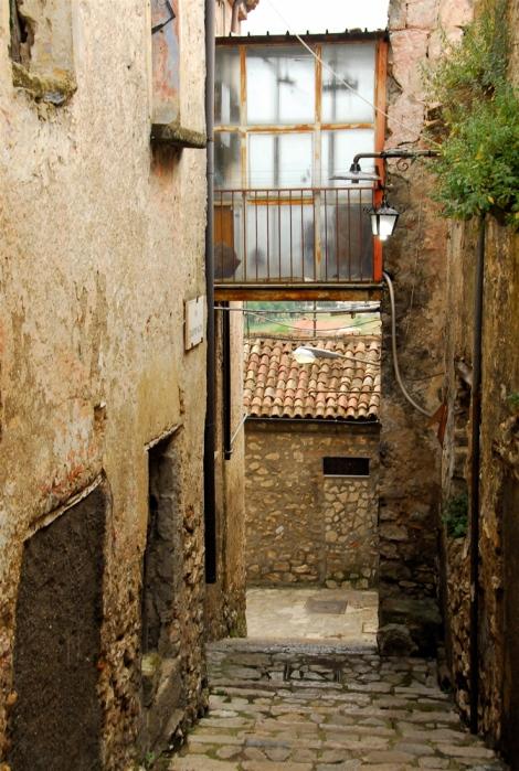 Glassed-in walkway, Riardo