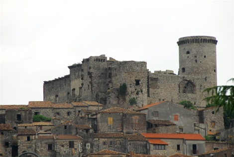 Castle and medieval borgo, Riardo